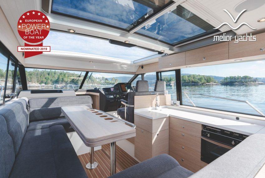 Viknes Båt-01852-Edit_resultaat_MY logo