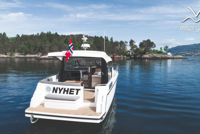 Viknes Båt-0350-Edit_MY logo